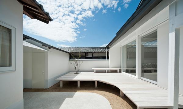 日本員工宿舍老宅建築純白風 回歸居住的純粹
