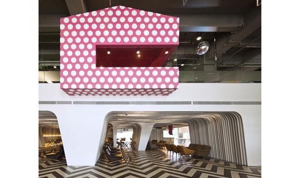 泰國曼谷大學BU Lounge首現未來科技建築風