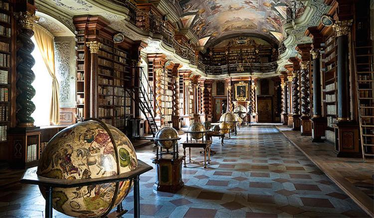此生必走一趟!世界上最美的圖書館-布拉格克萊門特學院圖書館