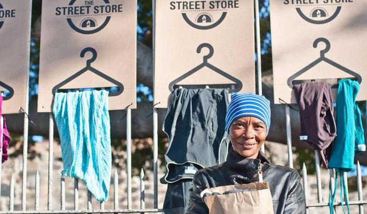 同樣捐出一件衣物給街友 The Street Store送出的是「尊重」而非「施捨」 - La Vie行動家 設計改變世界