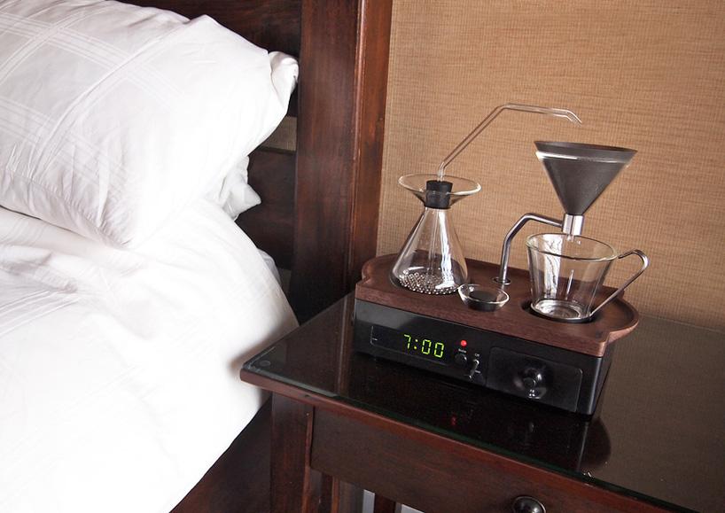 世上第一台會煮咖啡的鬧鐘!!每天早晨讓新鮮咖啡喚醒你 - LaVie 設計改變世界