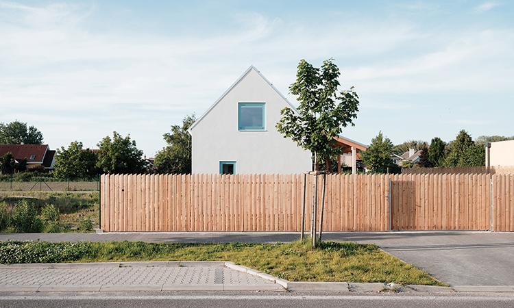 小時候的dream house成真了!從幻想中立體的簡單小屋