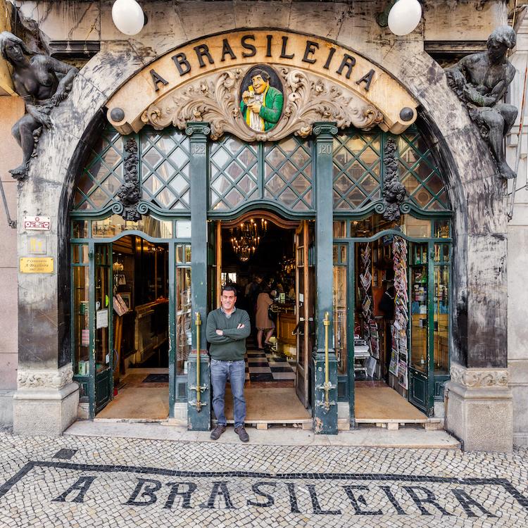 從街景看歷史涵養!特搜12間葡萄牙里斯本韻味十足店家大門!