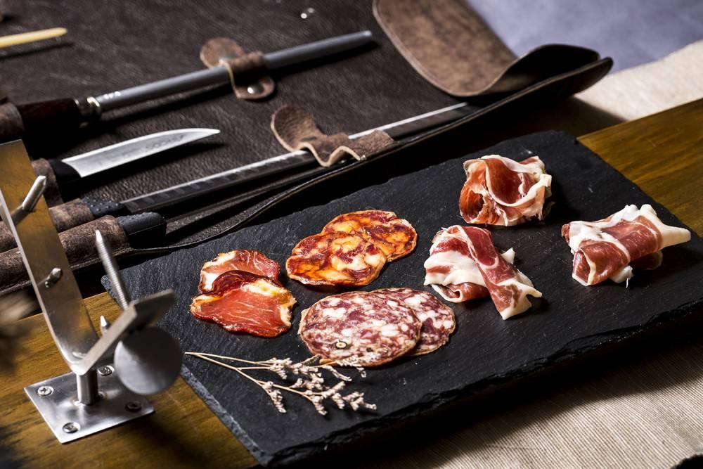 時間成就的美味!這個年節3種餐桌上的熟肉文化全搜羅!