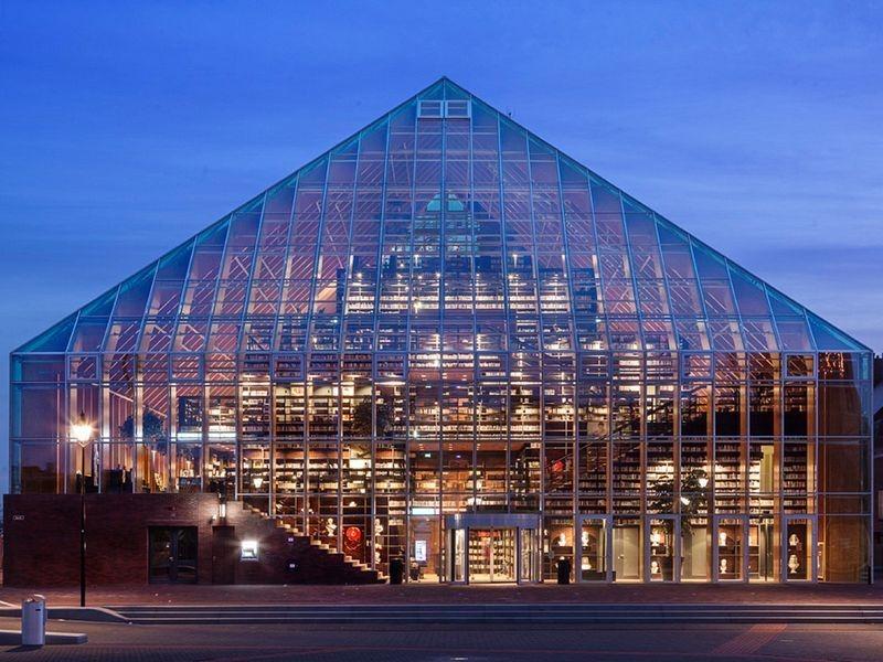 玻璃屋裡的堆疊書山!荷蘭MVRDV打造 Book Mountain公共圖書館! - La Vie行動家 設計改變世界