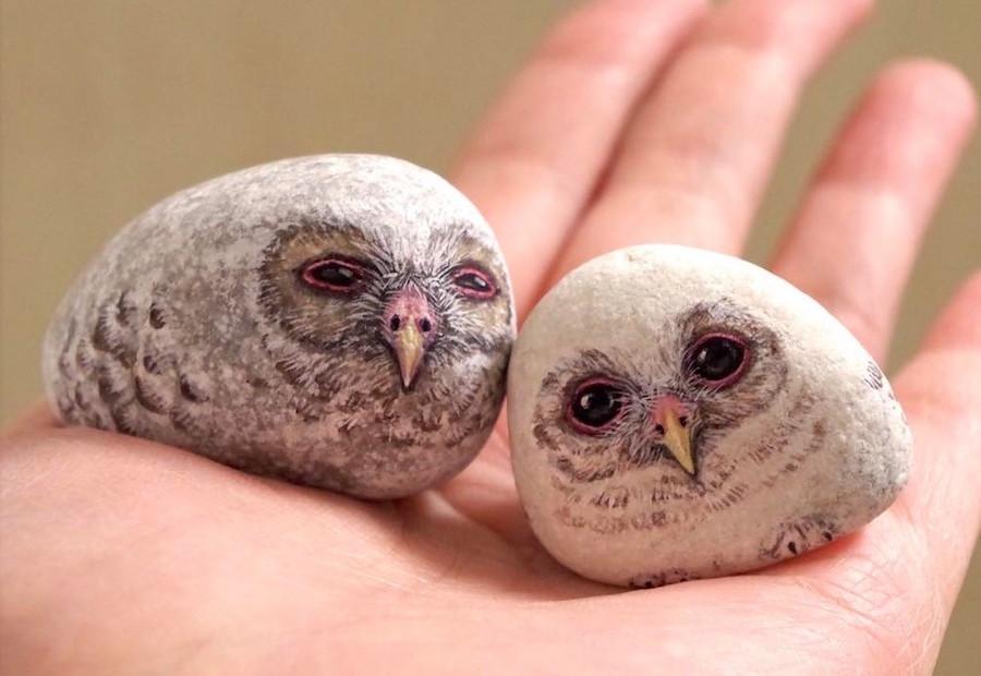 超萌貓頭鷹是石頭變的?日本藝術家畫出令人讚嘆的石頭立體彩繪 - LaVie 設計改變世界