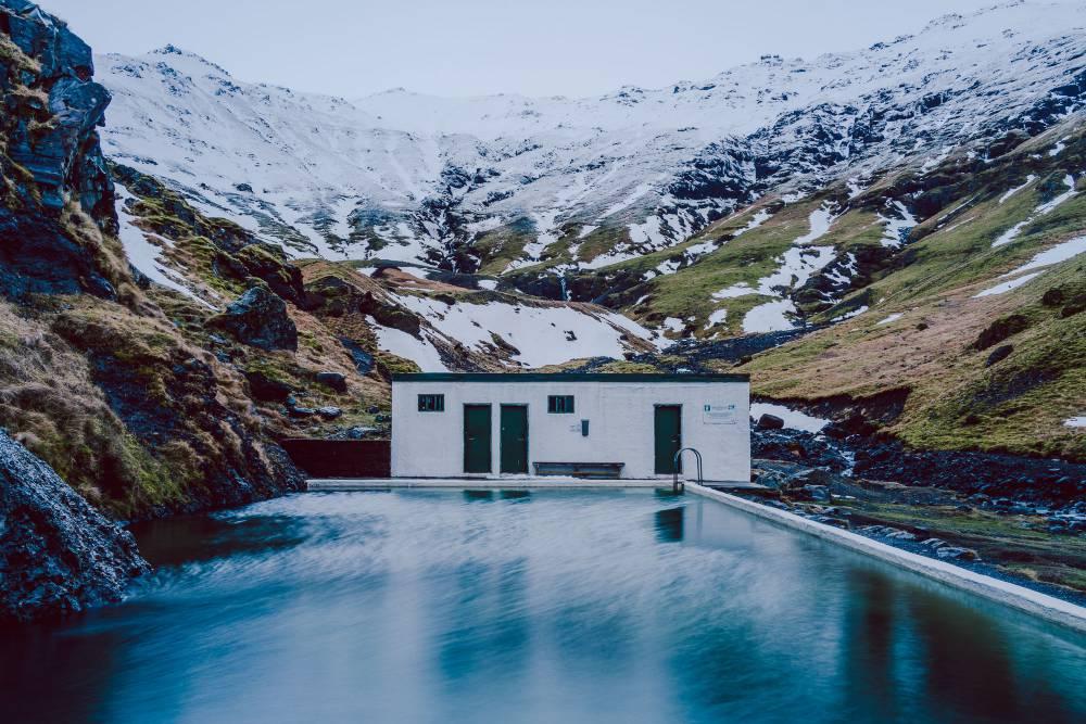 冰島人藏著不想告訴你的秘境泳池Seljavallalaug!享受與大自然獨處的愜意