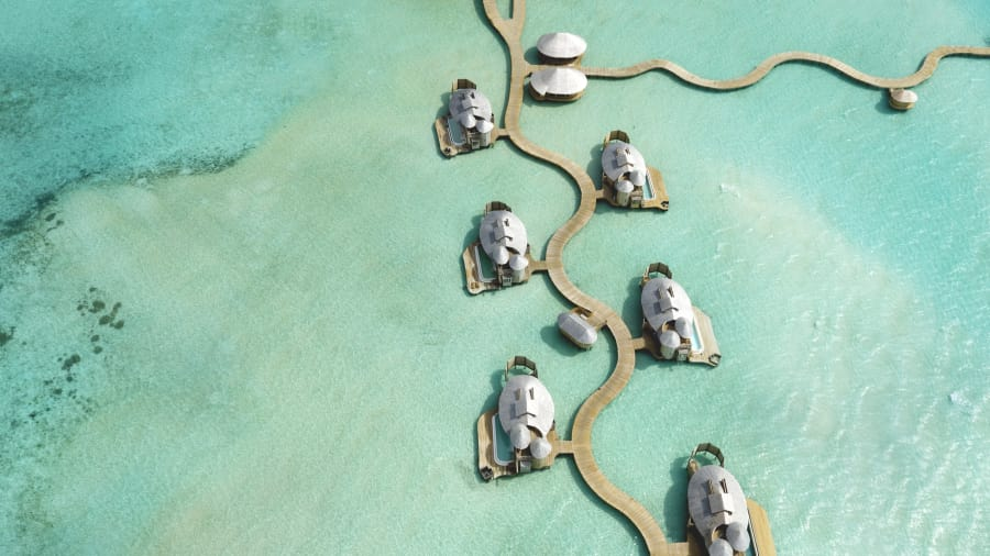 海上的無邊際水上樂園!馬爾地夫Soneva Jani島嶼度假酒店CNN評選年度必訪! | La Vie TOP 10 - 泳池奇想