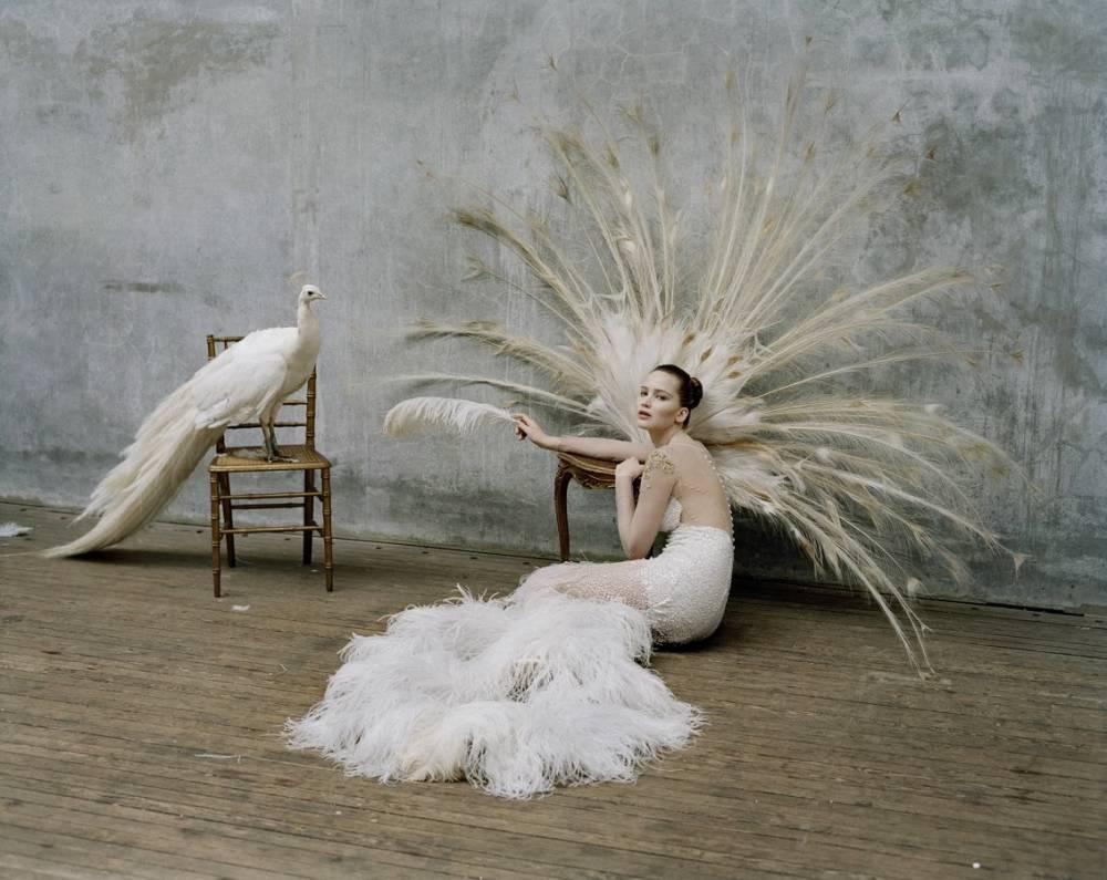 最會講奇幻故事的時尚攝影大師!Tim Walker鏡頭下的夢幻時尚異想世界|La Vie TOP 10 - 時尚視角