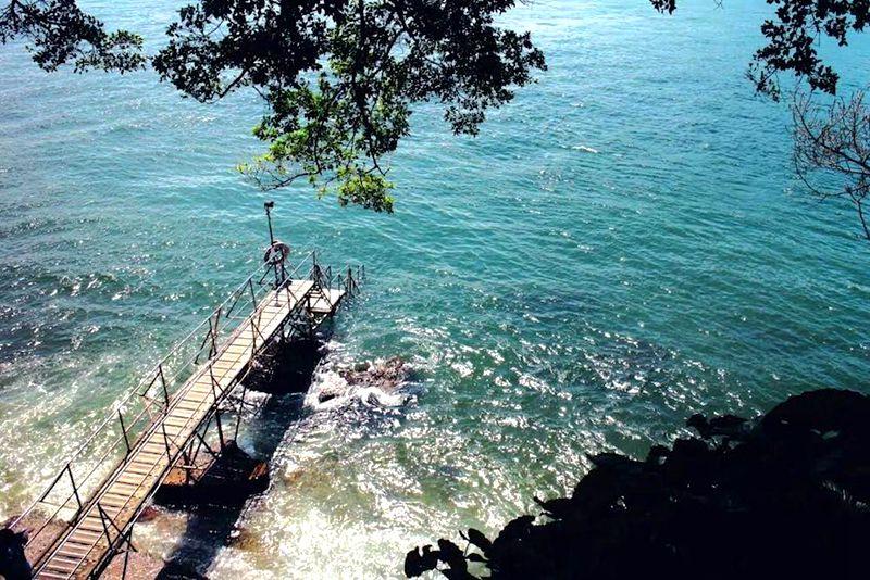 四種色系玩香港!海藍秘境西環泳棚、元朗綠色隧道等「視覺色系」景點